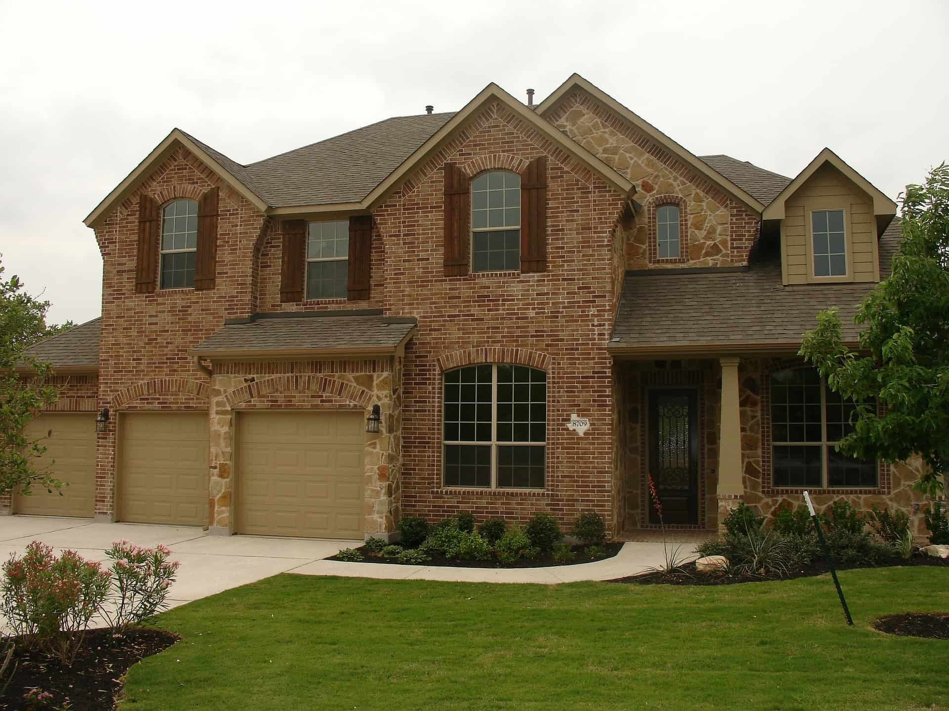 Highland Creek Luxury Homes